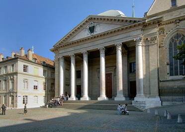 Parvis de la cathédrale Saint-Pierre
